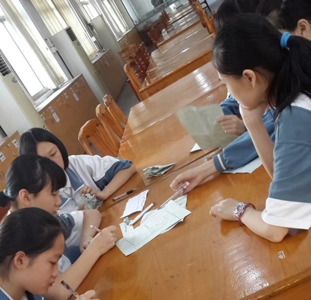 学生情景创作