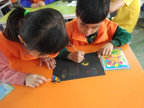 传统文化与自护教育学习两不误,家长与孩子共成长